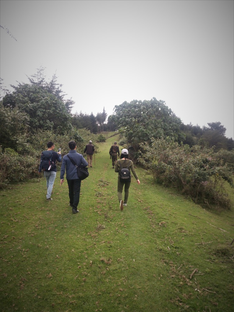 Chinese hikers in Kenya